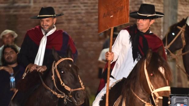 Juan Manuel Urtubey desfiló en Jesús María con Jorge Rojas