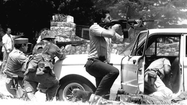 Minutos después del copamiento, los policías de la comisaría de San Justo que participaban de un operativo contra los piratas del asfalto se acercaron al cuartel (NA)