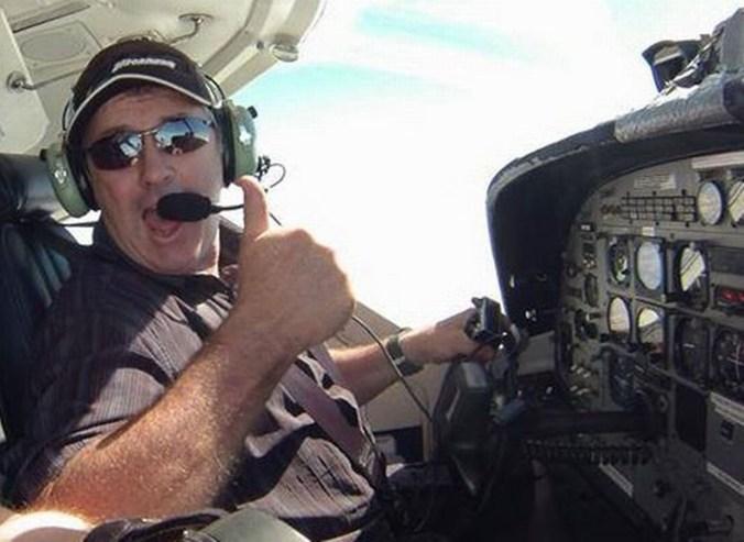 (Grimsby Live) Dave Ibbotson, de 60 años, tripulaba la aeronave
