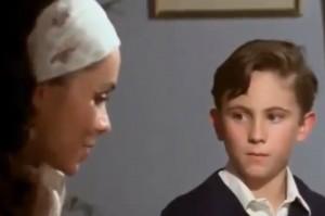 """Elizabeth Aguilar y Luis Mario Quiroz en una escena de """"Mariana, Mariana"""""""