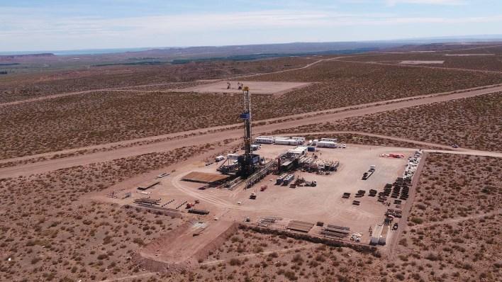 Loma Campana, de YPF, junto con Fortín de Piedra, explotada por Techpetrol, del grupo Techint, son hoy los yacimientos con mayor extracción de shale gasen Vaca Muerta