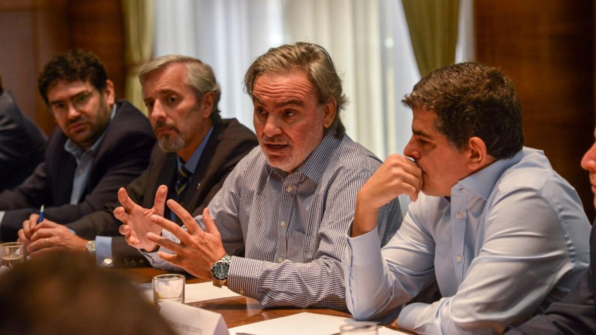Lopetegui, secretario de Energía, reunido con ejecutivos de petroleras. (Hacienda)