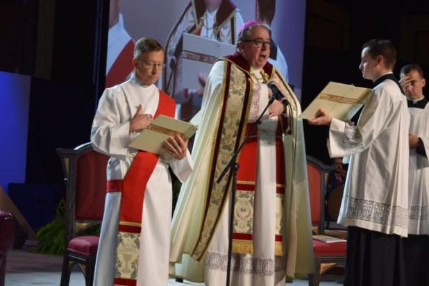 El reverendo Michael Olson de Forth Worth (Foto: Twitter/ENAHVE)