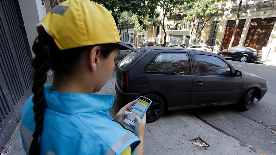 Las multas por mal estacionamiento lideran el ranking de infracciones en la Ciudad de Bs. As.