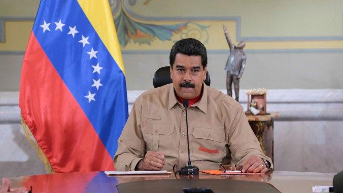 El lunes Maduro contó que le envió una carta a Francisco para que intervenga en la crisis venezolana