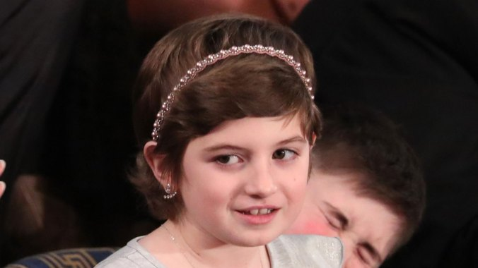 Grace Eline fue una de las protagonistas durante la velada en el Capitolio. Una niña de 10 años que venció al cáncer y se convirtió en un verdadero ejemplo (Reuters)