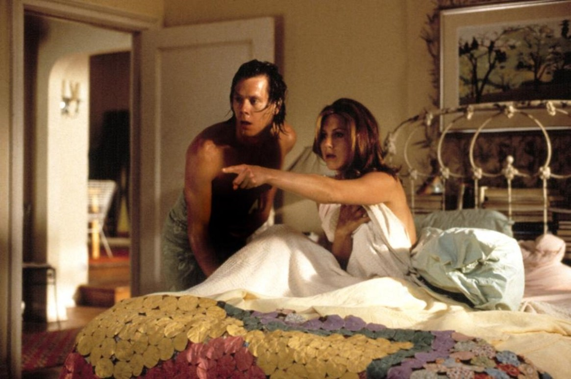 "Jennifer Aniston con Kevin Bacon en una escena de la comedia romántica ""Picture Perfect"""