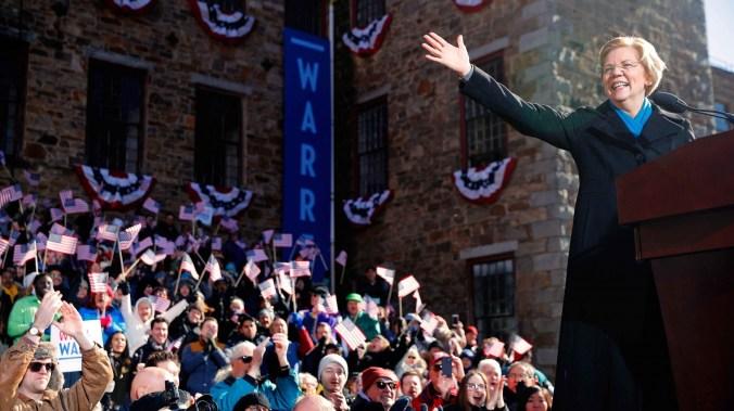 SenadoraElizabeth Warren, en su anuncio de candidatura (REUTERS/Brian Snyder)