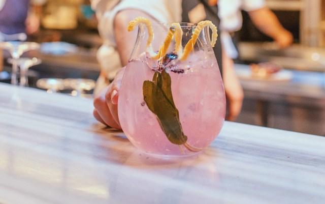 Un clásico Mamba drink. Para San Valentín habrá maridaje para probar diferentes cocktails preparados por el bartender