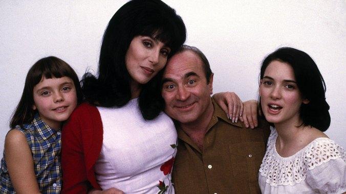 Christina Ricci, Cher, Bob Hoskins y Winona Ryder en un anuncio publicitario de Mi madre es una sirena, de 1990