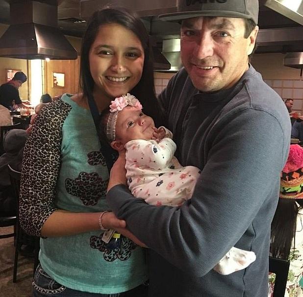 El matrimonio tenía una bebé de 15 meses. (Foto: Facebook)