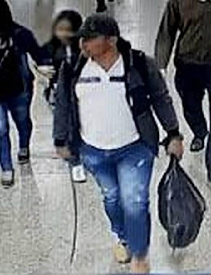 El guerillero fue captado por cámaras de seguridad de la Terminal de Transportes de Bogotá, cuando regresaba a Arauca.