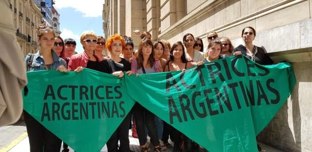 Anita Co, secundada en Tribunales por sus compañeras del colectivo Actrices Argentinas