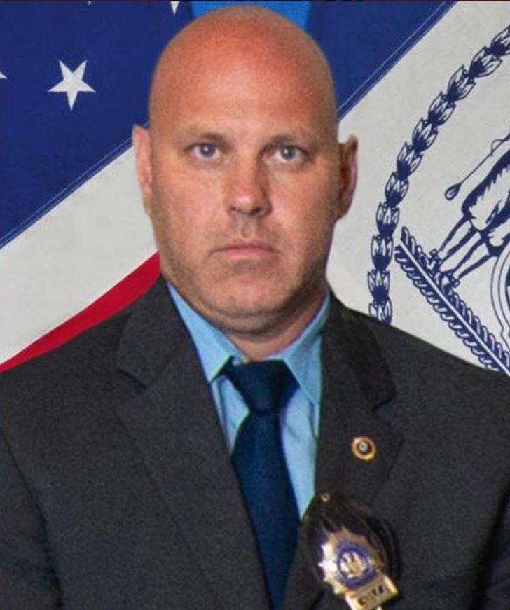 Brian Simonsen, fue el detective que fue herido de muerte durante el atraco (Foto: NYPD)