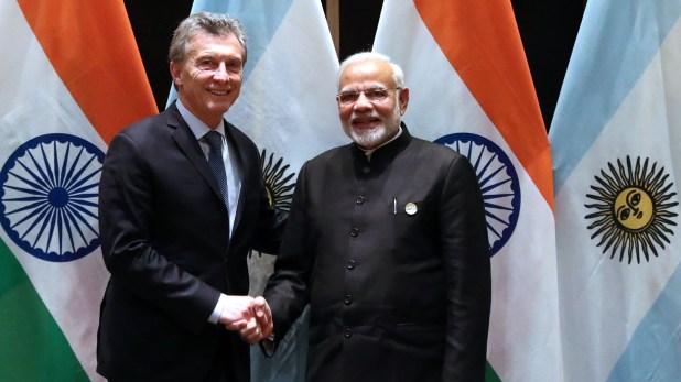 El presidente argentino ya está en la India y una vez subido al avión se desató una serie de críticas por el costo del pasaje, por unos supuestos comentarios de la vicepresidenta en el 2016 sobre que vamos al estilo indio, sin industrias y un sinfín de idas y vueltas que cansan porque no construyen nada.