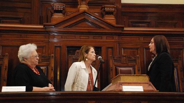 Jura de la perito de la Corte Carmen Peredo