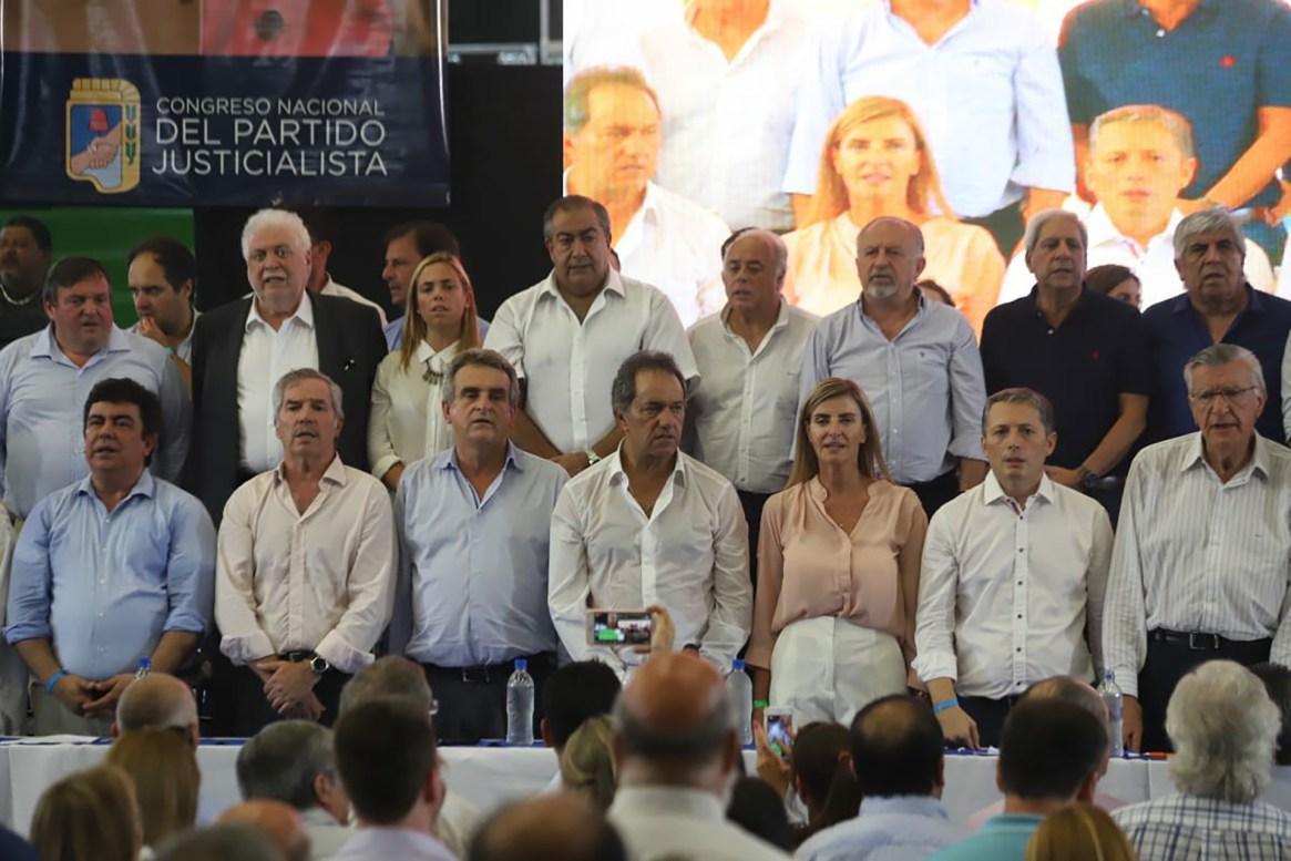 Los dirigentes que estuvieron presente en el Congreso del PJ Nacional