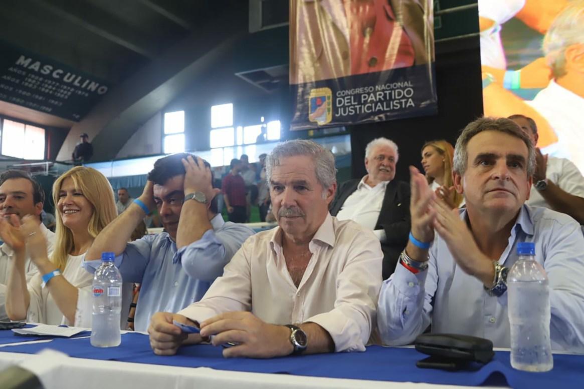 Verónica Magario, Fernando Espinoza, Felipe Solá y Agustín Rossi