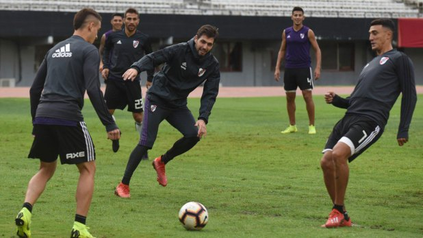 River se prepara para enfrentar a Independiente en el estadio Monumental