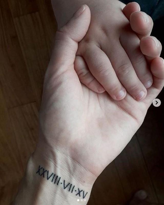 Julieta Prandi se tatuó las fechas de nacimiento de sus hijos