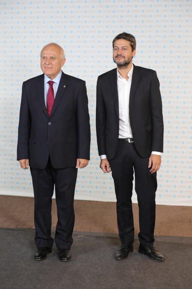 El gobernador de Santa Fe, Miguel Lifschitz, y el presidente de San Lorenzo, Matías Lammens