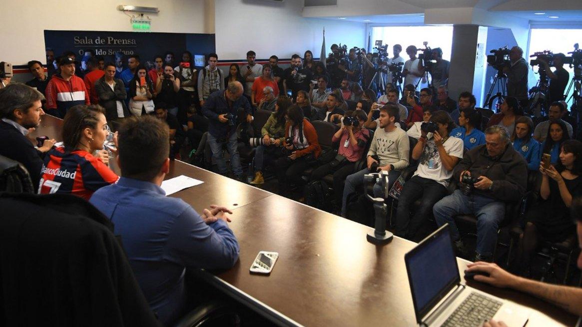 La conferencia de prensa del anuncio se realizó en el Nuevo Gasómetro (@SanLorenzo)