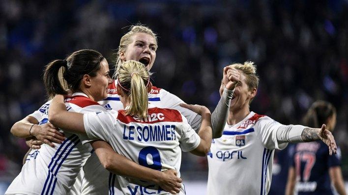 Lyon va por su cuarto título consecutivo (AFP)
