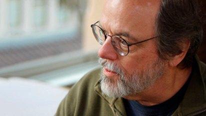La primera WikiWikiWeb fue desarrollada por Ward Cunningham, un programador informático estadounidense que nació en Indiana, en 1949.