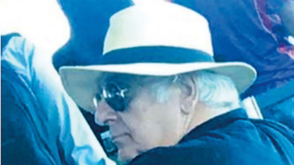 Voy y vengo. Samid en pleno escape, con sombrero y gafas. El 24 de marzo habría pasado a Paraguay, y de allí, vía Panamá, a Belice. En el pueblo de San Pedro de ese pequeño país caribeño lo detuvo Interpol.