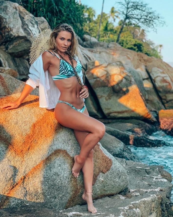 Irina aprovechó su estancia en Acapulco para lucir sus curvas (Instagram)