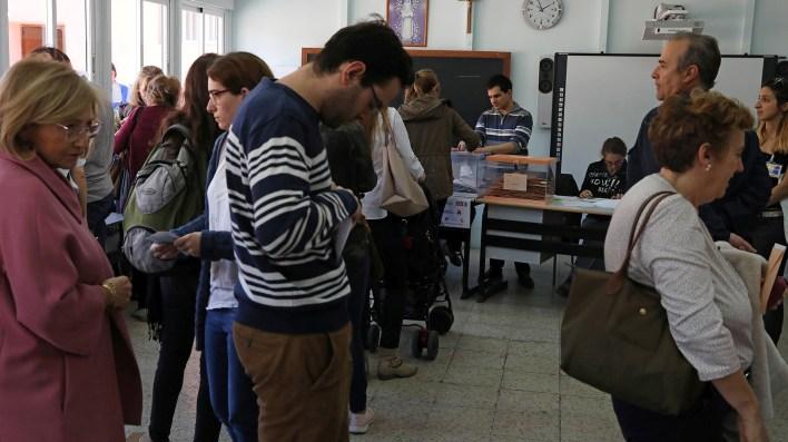 Uno centro de votación en Madrid, capital española (REUTERS/Susana Vera)
