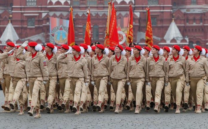 En el desfile participaron 13.000 soldados (Reuters)