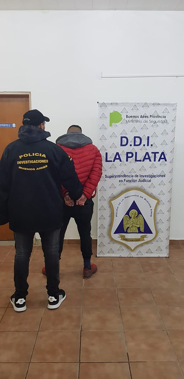 La persona detenida en el local ubicado en el Barrio Aeropuerto de La Plata