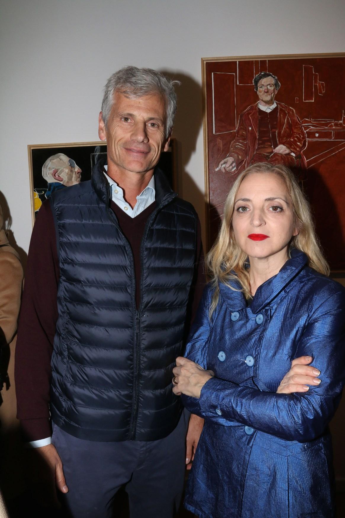Guillermo Tempesta, vicepresidente de Santander Río, junto a la artista plástica Nicola Costantino
