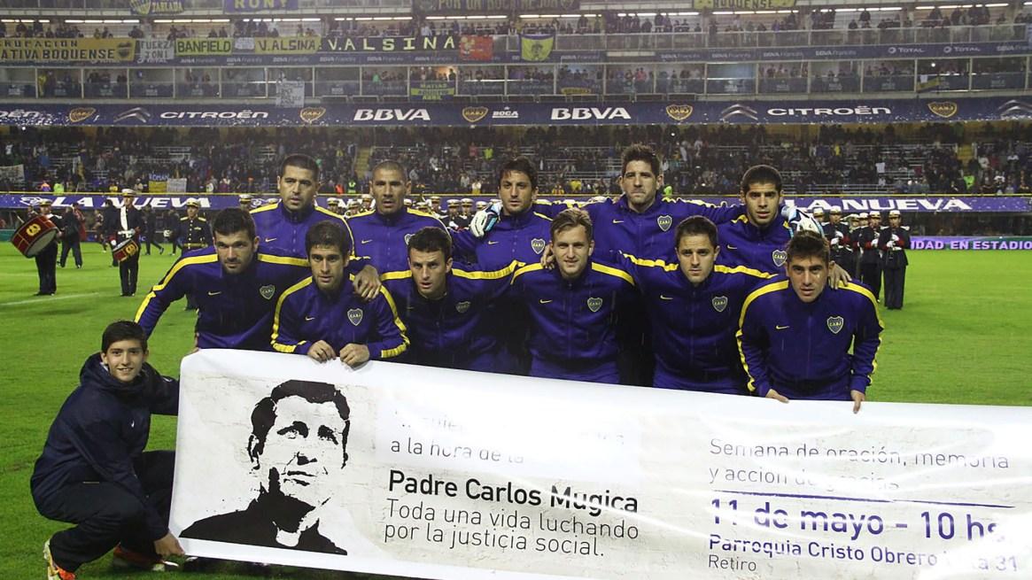 La última vez que Riquelme posó junto a sus compañeros con la camiseta de Boca