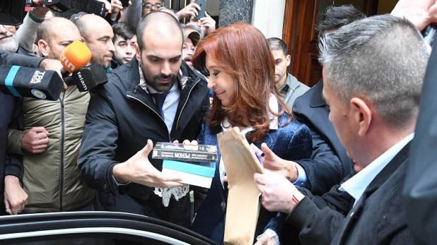 CFK con la militancia (foto: Télam)