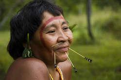 Una donna Yanomami, Brasile.