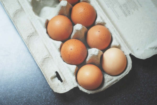 A Vata Pitta diet includes eggs.
