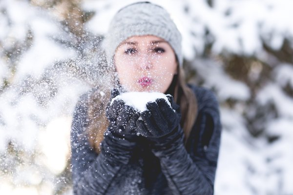 How To Prevent Dry Skin And Dry Scalp In Cold Season