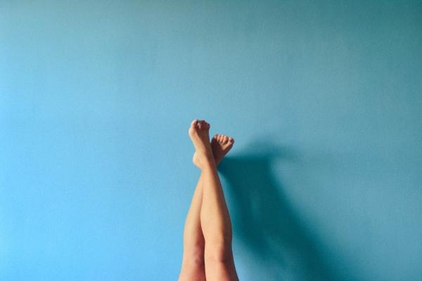 Knee pain injuries, knee pain treatment, knee pain relief.