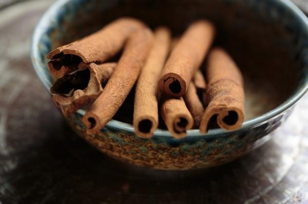 Cinnamon Ayurveda home remedies for skin texture