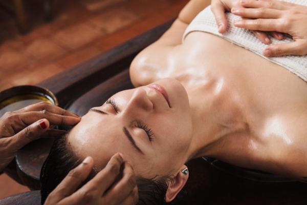 Ayurvedic Spa Treatments shiro abhyanga hair head oil massage