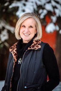 Linda Calhoun