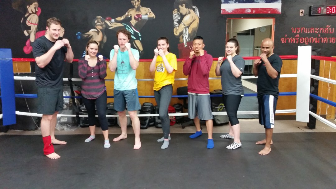 beginners-muay-thai-kickboxing-graduation-class
