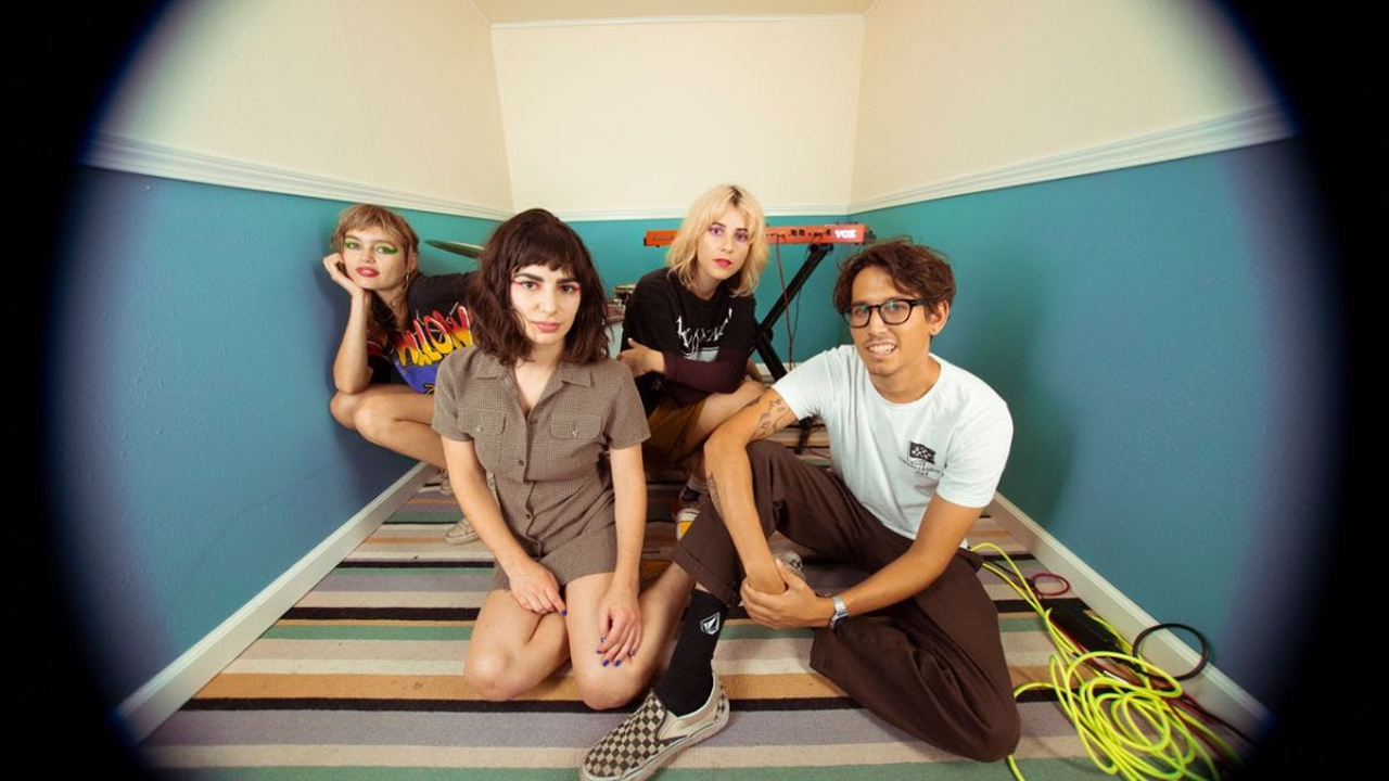 Watch: New videos from the Paranoyds, the Neighbourhood, Elvis Perkins – buzzbands.la