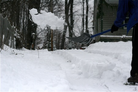 shoveling-the-snow