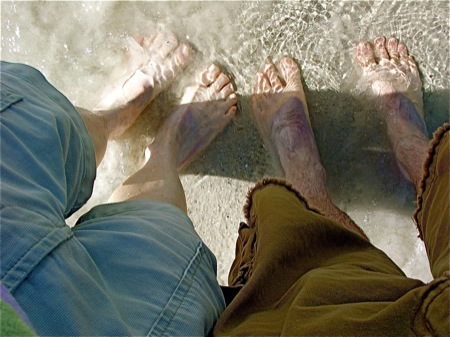 feet-in-the-ocean1