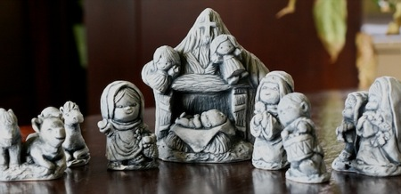 Nativity_set_from_volcanic_ash
