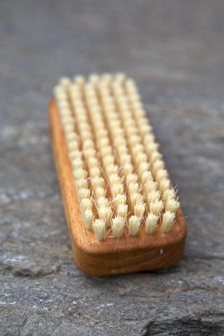gardeners nail brush 2