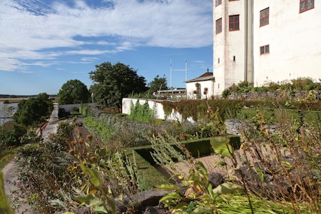 lacko-slatt-upper-garden-11